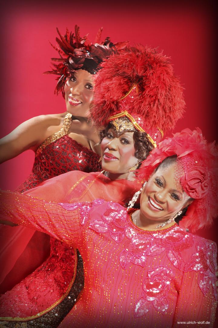 three ladies of blues -Harriet Lewis-Joan Faulkner-Joanne Bell-za stampu